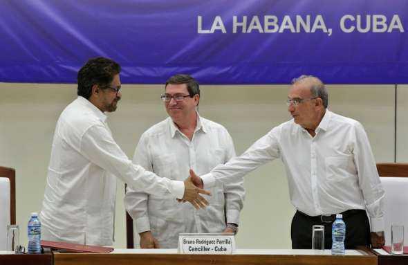 Kolumbija skelbia apie istorinį taikos susitarimą su marksistų sukilėliais