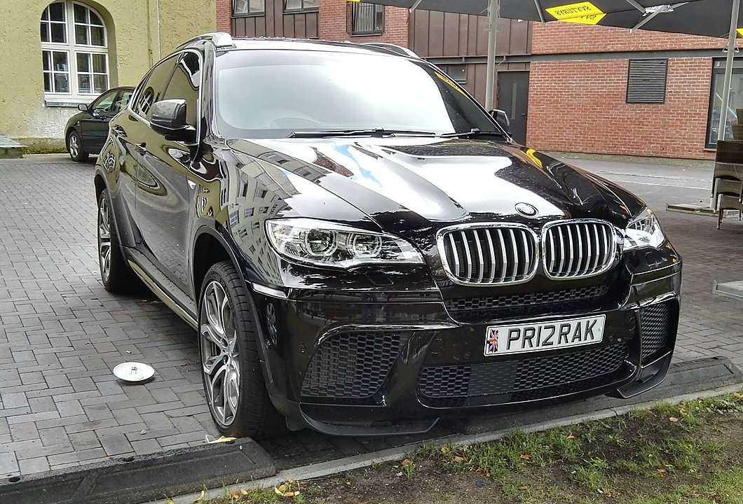 Prajuokino emigranto su BMW išmonė: ką jis bandė pasakyti?