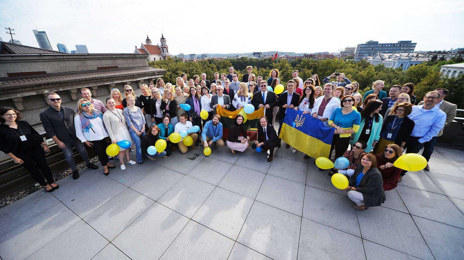 Lietuva sveikina Ukrainą Nepriklausomybės 25-mečio proga