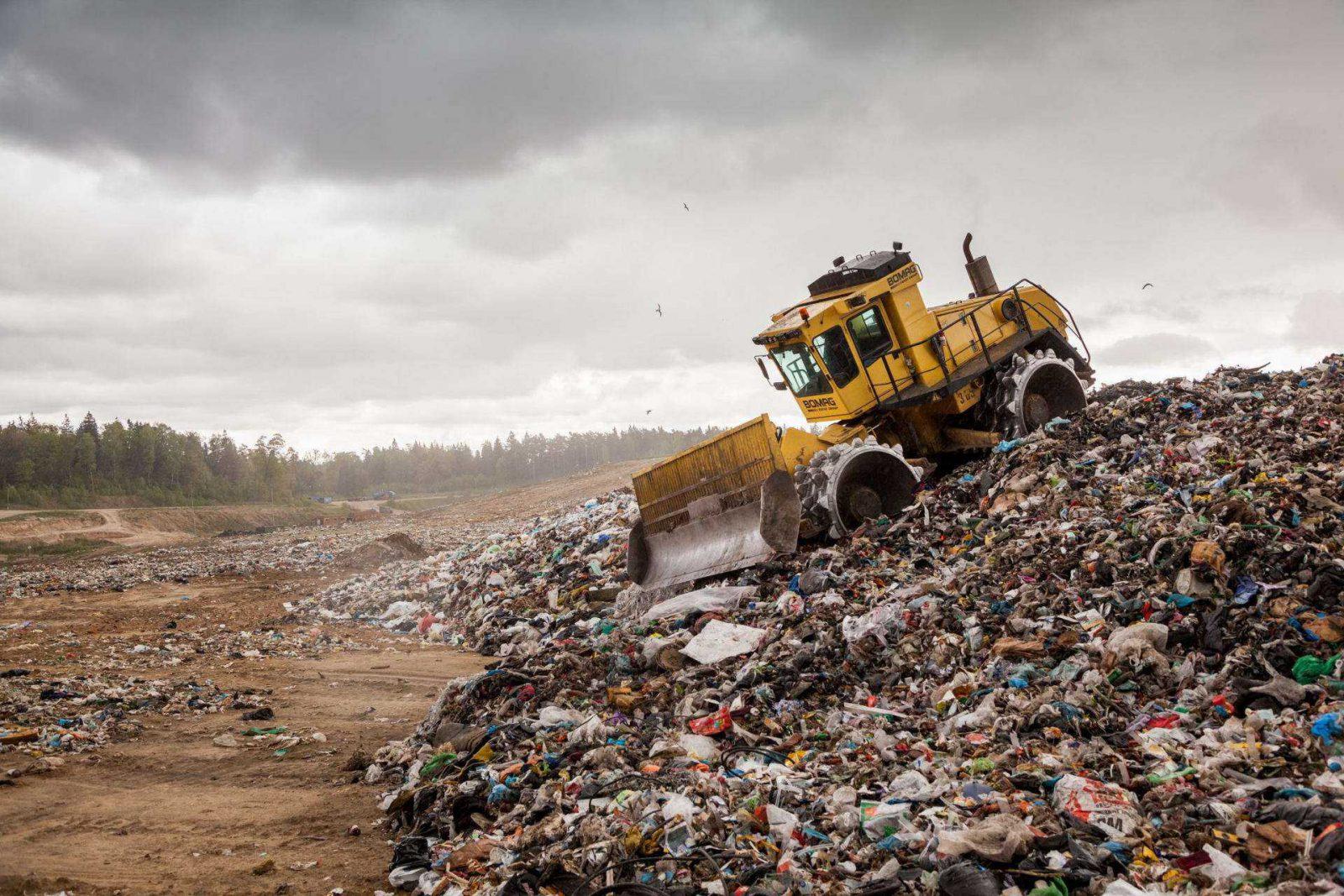 Lietuva skęsta atliekose, kurių nepriima sąvartynai ir nėra kur deginti.