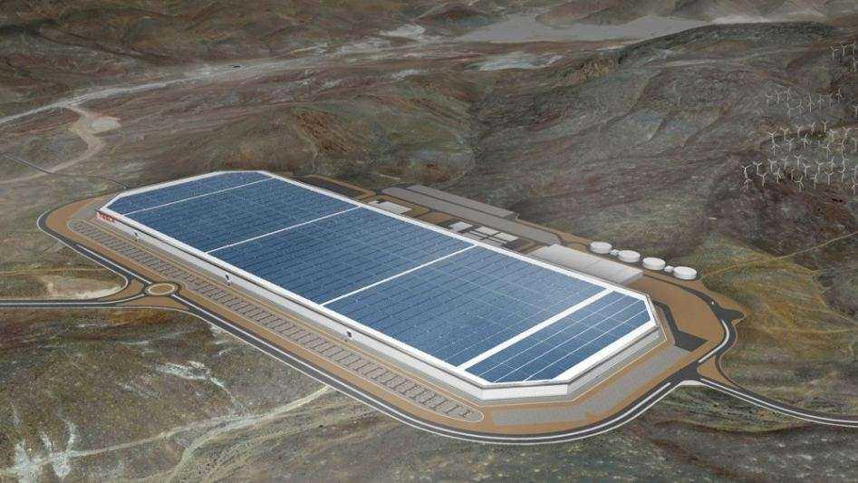 """""""Tesla"""" atidaro baterijų gamyklą """"Gigafactory"""""""