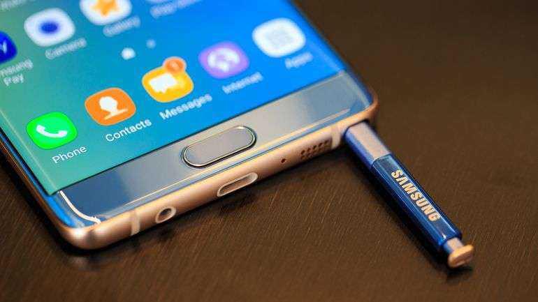 """""""Samsung"""" flagmanas sprogsta: prekyba sustabdyta Pietų Korėjoje"""