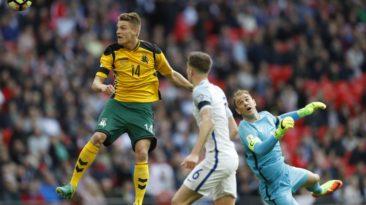 Lietuvos futbolininkai žada kovoti garbingai, bet ginklų prieš anglus neturi.