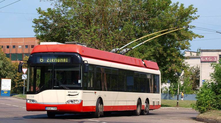 Į Vilniaus gatves išriedės 40 naujų žemagrindžių troleibusų.