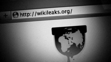 """JAV mirė per """"Wikileaks"""" skandalą išgarsėjęs programišius A. Lamo"""