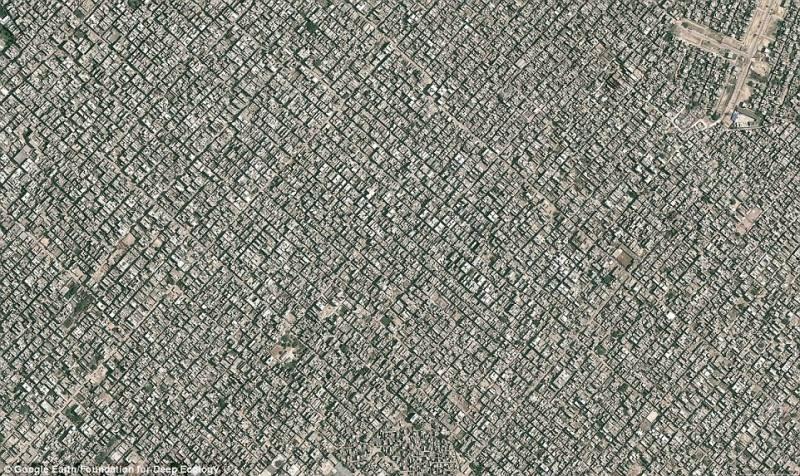 Žvilgsnis į Naująjį Delį iš paukščio skrydžio (daugiau kaip 22 milijonai gyventojų).