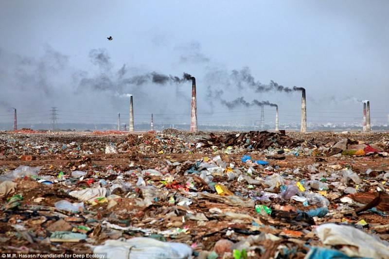 Gamykla ir jos apylinkės Bangladeše.