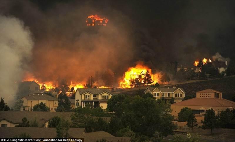 Ugnies audra lekia per Koloradą. Padidėjusi miško gaisrų rizika – klimato pasikeitimo rezultatas.