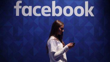 """""""Facebook"""" renka duomenis apie Jūsų skambučius ir SMS: kaip patikrinti, kokie duomenys yra surinkti"""