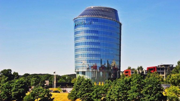 """""""Barclays"""" Lietuvoje planuoja atleisti arba perkelti apie 350 darbuotojų, rašoma bendrovės pranešime spaudai."""