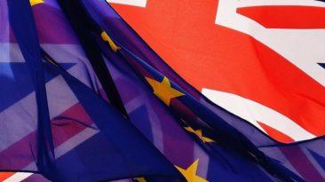 """""""Brexit"""" remiantys JK Parlamento nariai vyriausybei iškėlė ultimatumą"""