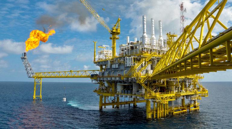 Paskelbta ataskaita, kuo iš tikro užsiima didžiosios naftos ir dujų kompanijos