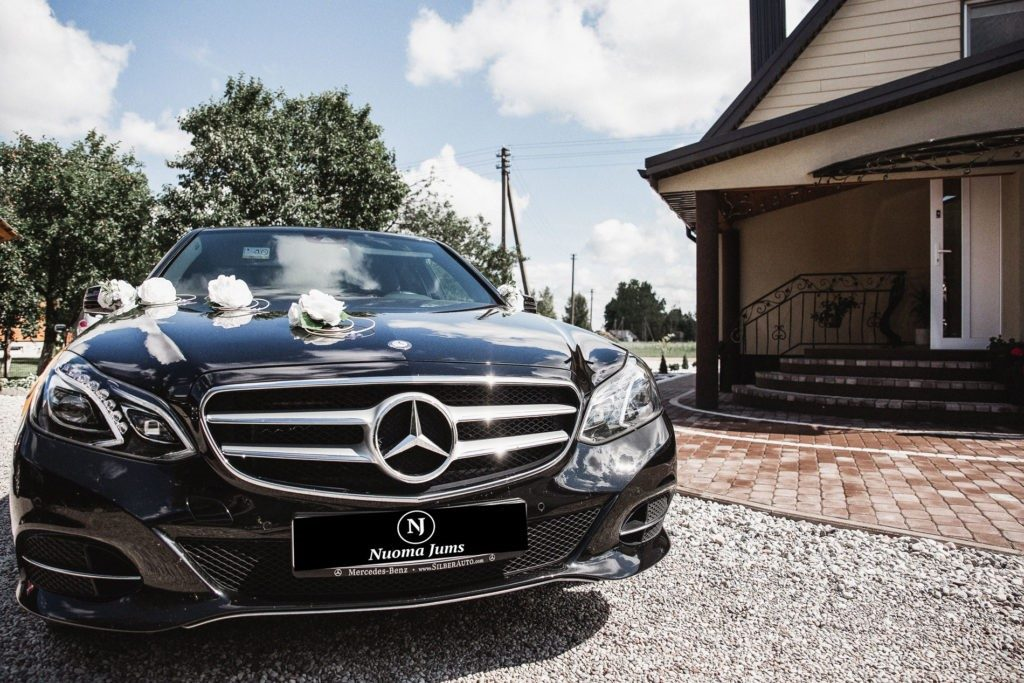 Automobilių nuoma vestuvėms paslaugos ir kainos santykis