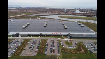 """""""Esame galutiniame etape"""": """"Tesla"""" jau beveik žino kurioje Europos šalyje stovės naujoji """"Gigafactory"""" gamykla – aiškėja favoritai ir kokie elektromobiliai čia bus gaminami"""
