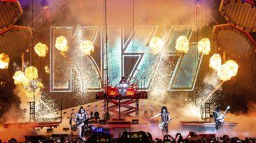 """Garsioji JAV roko grupė """"Kiss"""" pirmą kartą koncertuos Lietuvoje"""