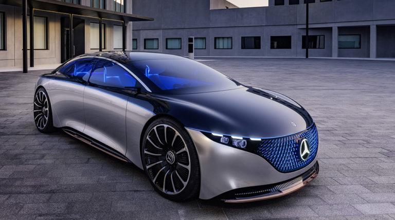 """Viskas dėl elektromobilių? Vokietijos automobilių gigantai planuoja masinius darbuotojų atleidimus: """"automobilių pramonė yra viduryje didžiausios transformacijos per visą istoriją"""" ir tam reikia milijardų eurų investicijų"""