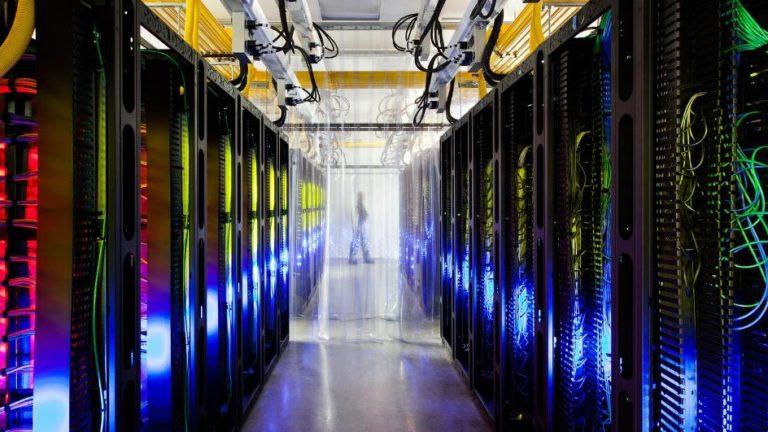 """Dėl kibernetinės atakos sutriko """"Hostex"""" veikla – trikdžių patyrė ir kai kurios svetainės, naujienų portalai"""